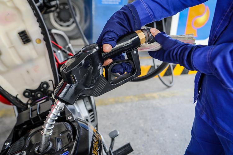 TP HCM khuyến cáo người dân không tích trữ xăng - ảnh 1