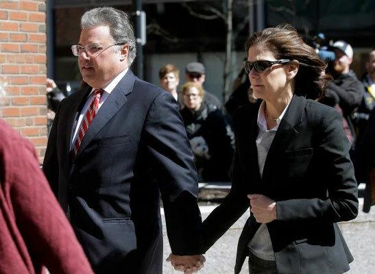 Elizabeth Henriquez và chồng Manuel Henriquez. Ảnh: AP.