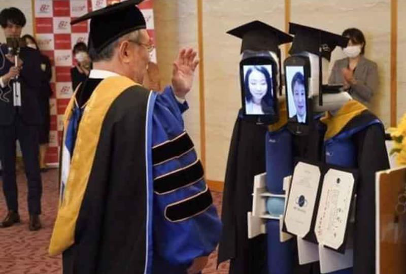 Sinh viên Nhật nhận bằng tốt nghiệp online mùa dịch - 2