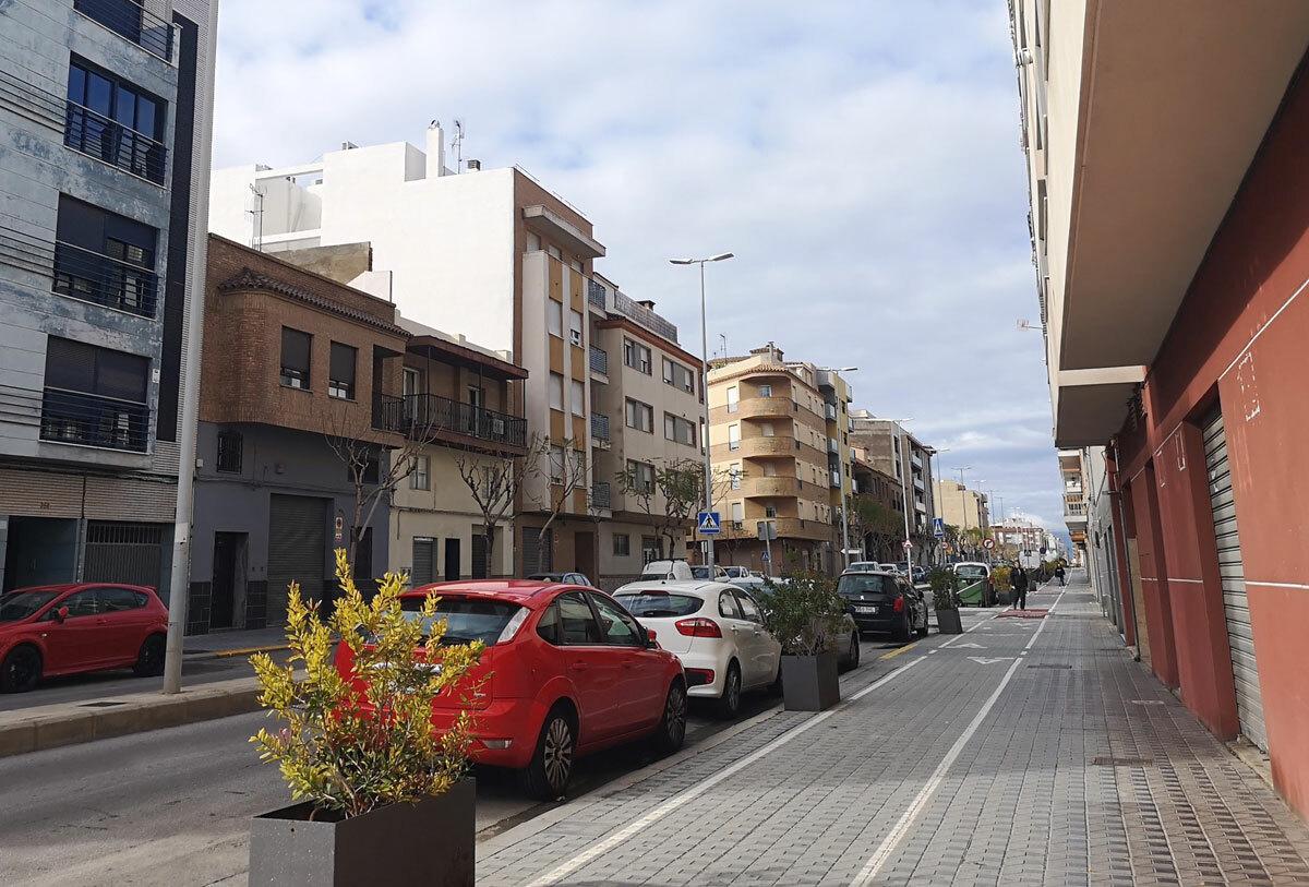 Ngày 2/4, đường sá tại thành phố Castellon, vùng Valencia vắng bóng người sau khi Tây Ban Nha áp lệnh phong tỏa. Ảnh: Hoàng Thảo.