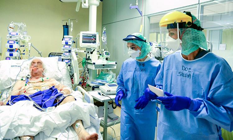 Số ca nhiễm mới ở Italy giảm nhẹ - ảnh 1