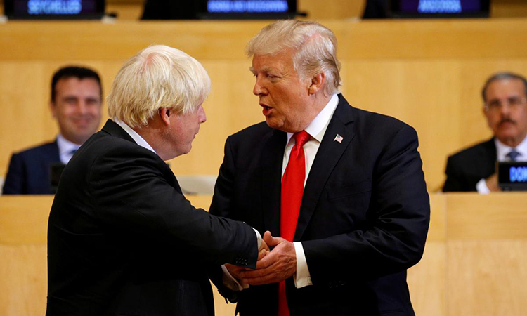 Thủ tướng Anh Boris Johnson gặp Tổng thống Mỹ Trump tại một sự kiện ở New York, Mỹ năm 2017. Ảnh: Reuters.