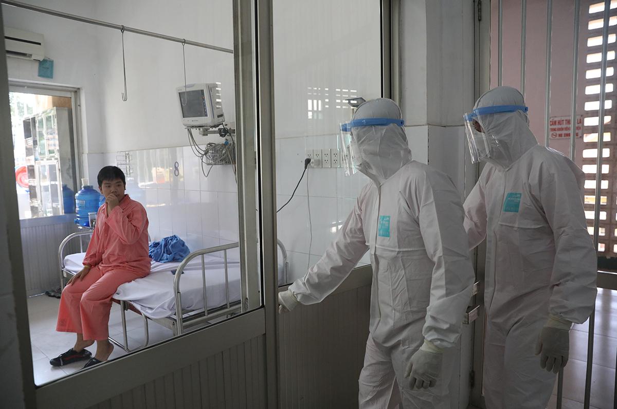 Thành phố luôn chuẩn bị nhân lực và cơ sở y tế chữa trị bệnh nhân Covid-19. Ảnh: Hữu Khoa.