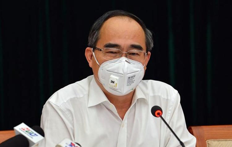 Ông Nguyễn Thiện Nhân phát biểu tại cuộc họp Ban chỉ đạo phòng chống Covid-19. Ảnh: Trung tâm báo chí TP HCM.