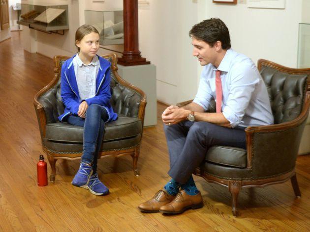 Thủ tướng Canada Justin Trudeau trò chuyện với Greta Thunberg ở thành phố Montreal hồi tháng 9/2019. Ảnh: Canadian Press.