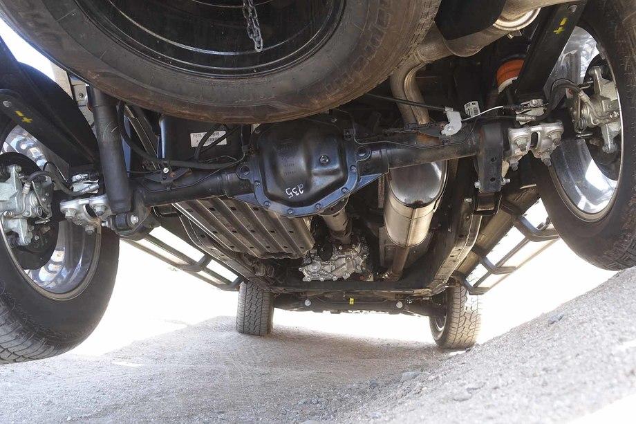 Hệ thống treo phụ thuộc trên Ford Ranger. Ảnh: 4wheelparts