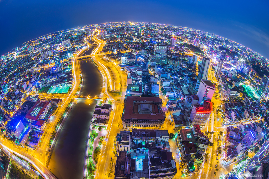Sài Gòn bừng sáng
