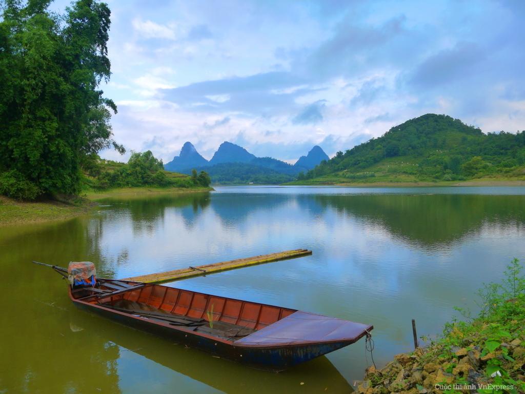 Hồ Tam Hoa